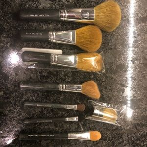 8 Bare Minerals Brushes (uses and new)!!
